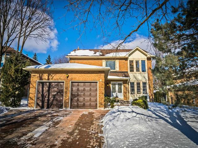 8 Simmons Cres